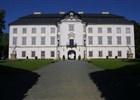 Zahradní průčelí zámku Vizovice  (klikni pro zvětšení)