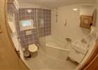 Velké apartmá - koupelna  (klikni pro zvětšení)
