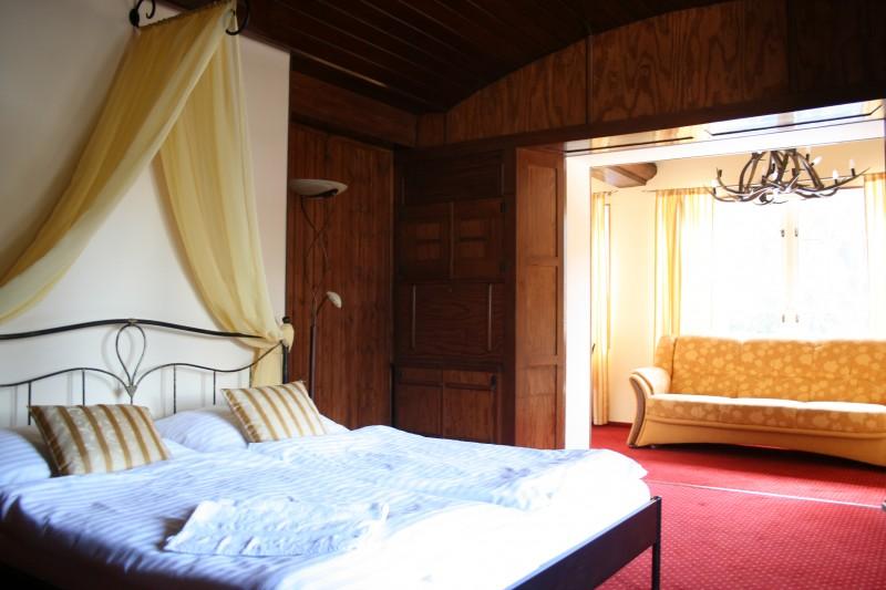 HOTEL & GARDEN *** U HOLUBŮ NA ČELADNÉ