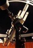 Dalekohledy Zeiss AS 200/3000 mm a dva Zeiss E 130/1930 mm v jižní kopuli  (klikni pro zvětšení)