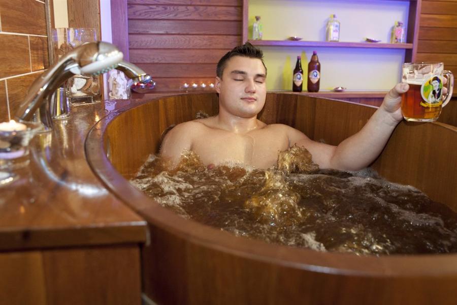 Koupele v pivní lázni