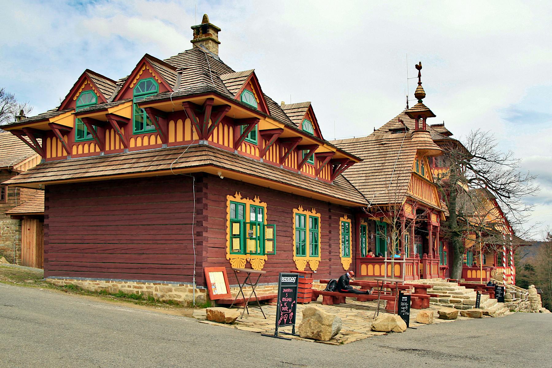 Pustevny - Restaurace Libušín po požáru 2014
