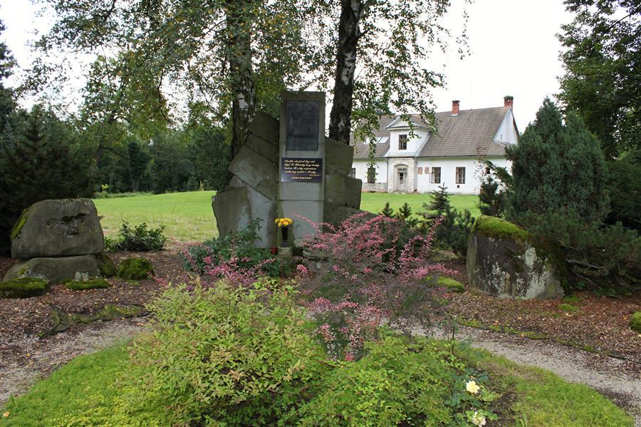 Pomník Josefa Mánesa