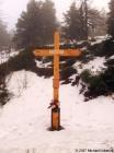 Lysá hora - Kříž na památku obětem Lysé hory (vystaven 2006)  (klikni pro zvětšení)