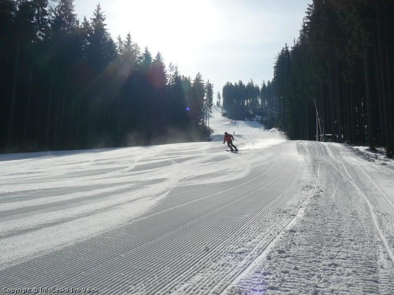 Ski areál Bílá - Sever červená, jarní manšestr