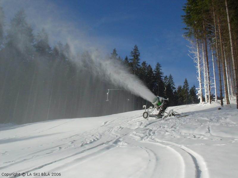 Ski areál Bílá - Zasněžovací systém v akci