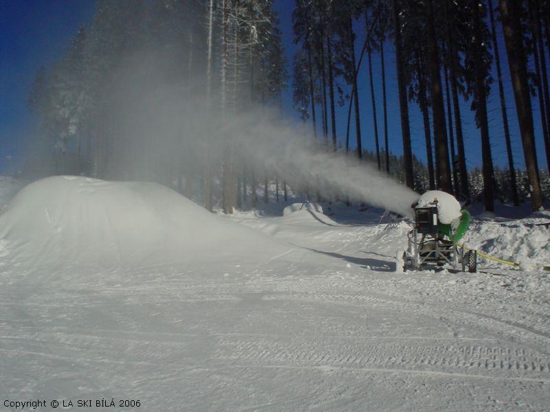 Ski areál Bílá - Příprava snowparku