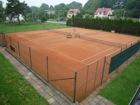 Tenisové kurty  (klikni pro zvětšení)