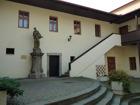 Atrium radnice, kde je originál sochy sv. J.Nepomuckého  (klikni pro zvětšení)