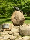Pomník lišky Bystrouška  (klikni pro zvětšení)