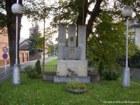 Pomník  (klikni pro zvětšení)