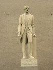 Socha T.G.Masaryka před OÚ  (klikni pro zvětšení)