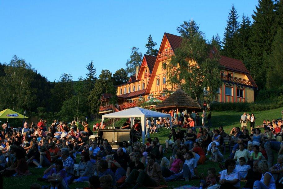Penzion Sluníčko - koncerty, letní program